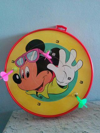 Diana infantil de Mickey,tiene 3 dardos de ventosa