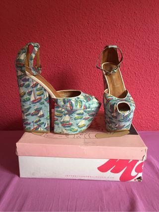 Zapatos jeffrey campbell de segunda mano por 30 en for Muebles regalados en madrid