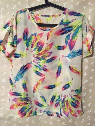 Camiseta plumas colores T.S