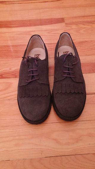 Zapato de niña talla 34