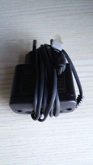 Cargador movil Nokia antiguo