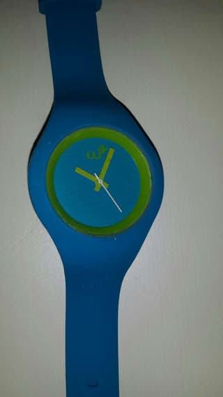 Reloj azul Wi
