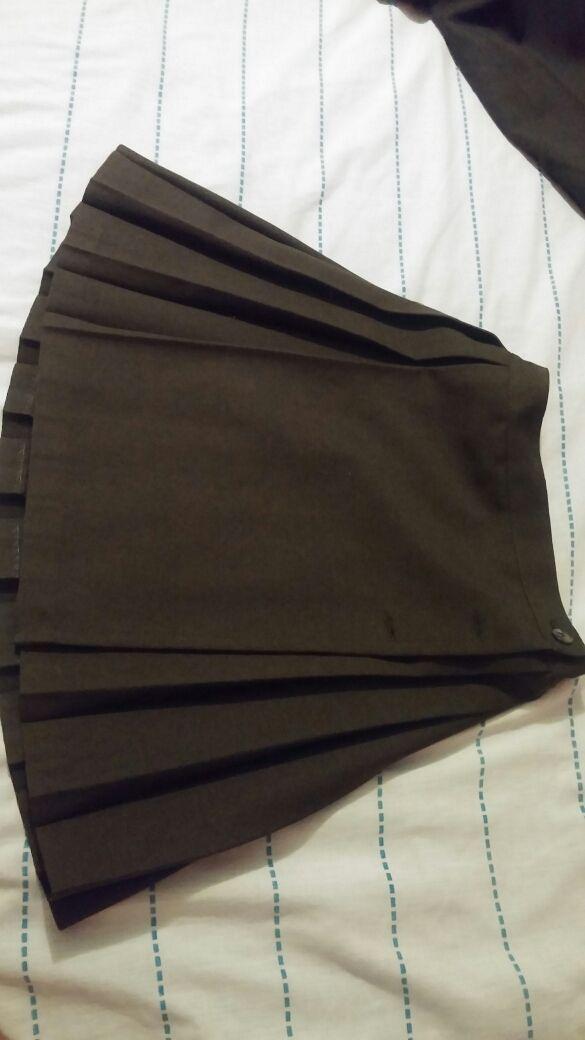 Falda uniforme niña