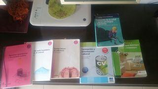 Vendo libros de auxiliar de enfermeria, año 2016, con apuntes
