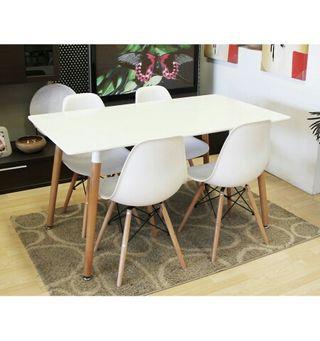 Conjunto oferta 4 sillas y mesa Eames