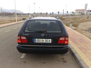 Mercedes e420 v8 279cv familiar