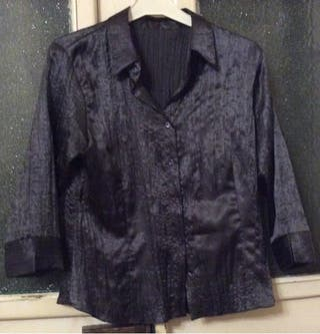 Camisa de seda gris marengo.