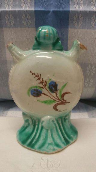 Antigüedades, botijo decorado de cerámica
