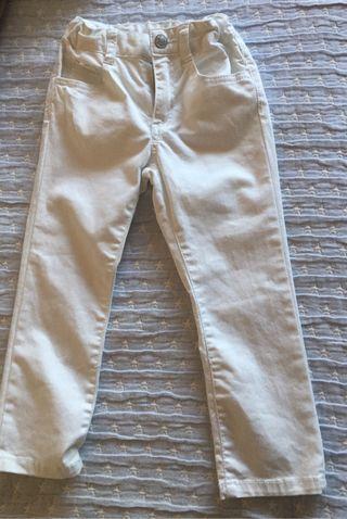 Pantalón blanco BENETTON. Talla 3-4