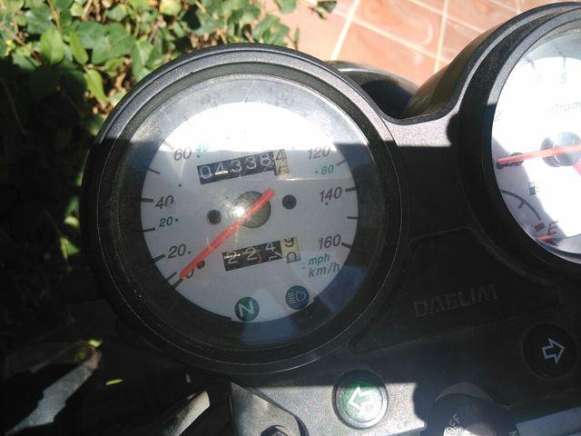 Vendo moto daelim riadwin 125cc. del 2005.Como nu