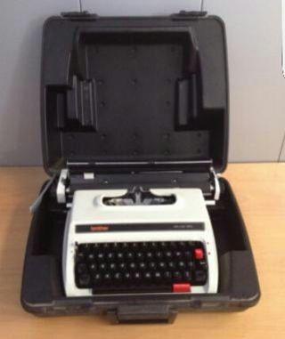 Maquina de escribir brother deluxe 1613