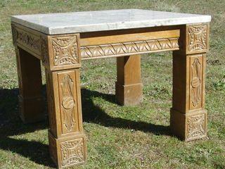 Mesa madera con encimera de mármol