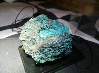 Crisocola en matriz mineral