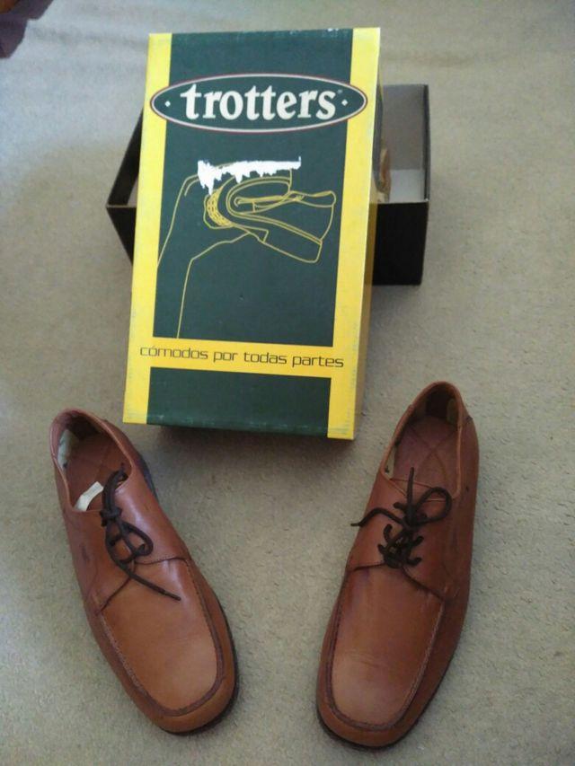 5701d629 Zapatos nuevos marca Trotters por liquidación de stock de segunda ...