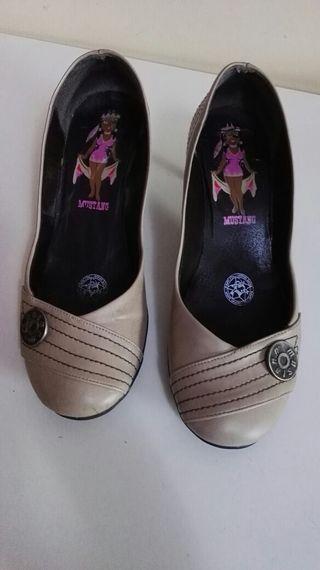 Zapato Beige.