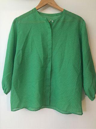 Blusa verde lunares