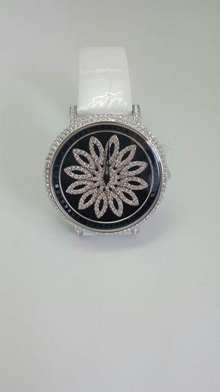 Reloj con cristales Swarovski