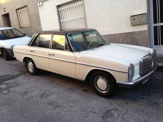 Mercedes-Benz 230 1975