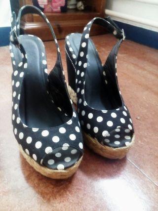 Zapatos negros cuña esparto lunares t37