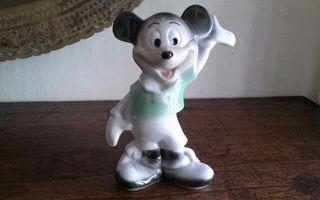 Figura porcelana Walt Disney. Descuento.