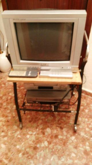Equipo dos reproductores de cinta con televisión