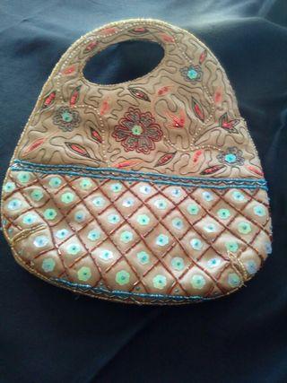 Bolso de tela con pedreria