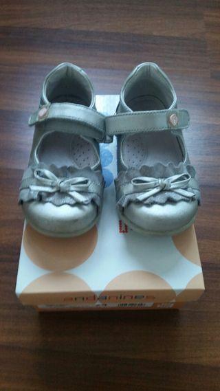 Zapatos bebe talla 22