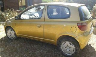 Toyota Yaris (1999), manual, 117.200 km, gasolina, tres puertas, particular