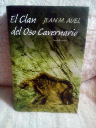 * Libro El Clan del Oso Cavernario
