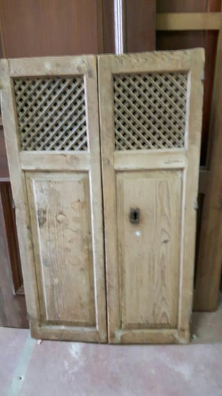 2 puertas antiguas