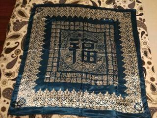 Bufandas de seda nuevas