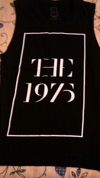 Camiseta The 1975, nueva, chica.