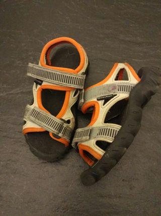Sandalias de niño