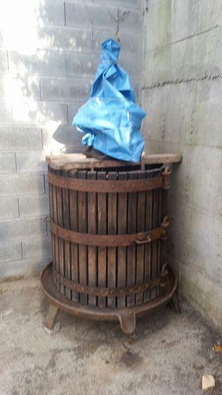 Prensa de vino para uso o decoracion
