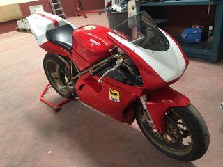 Ducati 748 circuito