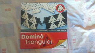 Juego domino triangular.