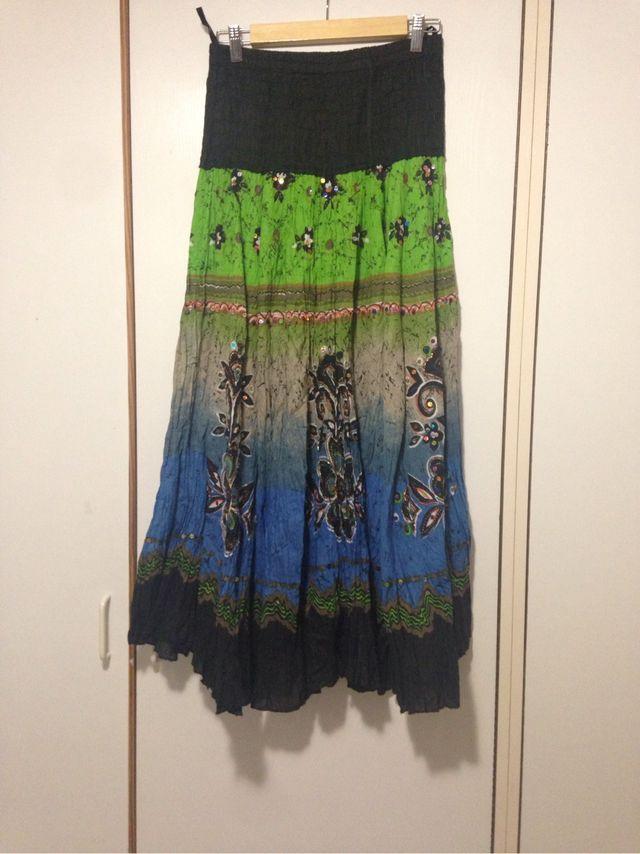 62685e3a2 Faldas de la India bordadas a mano de segunda mano por 20 € en Las ...
