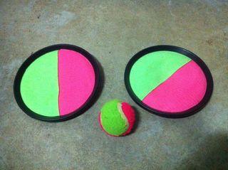 Juego atrapar pelota.