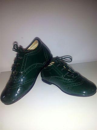 Zapatos ingles charol verde botella