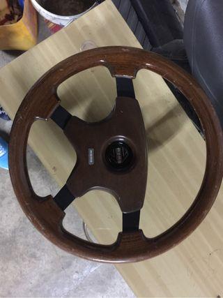volante momo madera