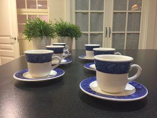 JUEGO DE LOZA DE 6 TAZAS DE CAFÉ, PERFECTO ESTADO