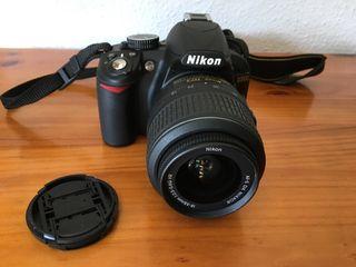 Nikon D3100 kit con objetivo AF-S DX 18-55mm VR