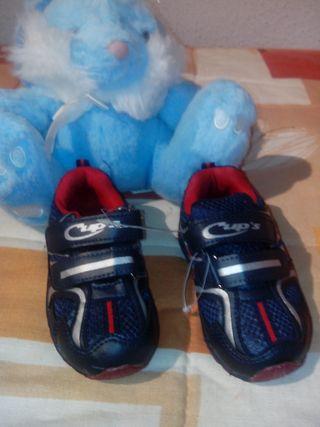 Zapatillas nuevas. Talla 25
