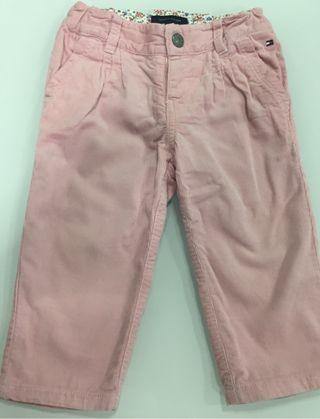 Pantalón niña tommy hilfiger talla 6-9 meses
