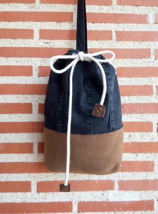 Mochila saco redondo,artesanal