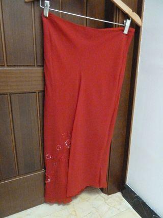 Falda seda roja