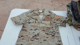 Camisola de verano uniforme árido