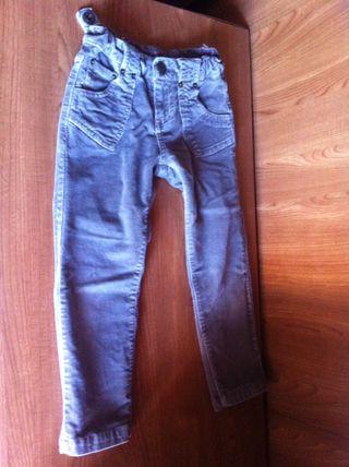 Pantalones Zara de segunda mano en Talavera de la Reina en WALLAPOP befbc62ff62
