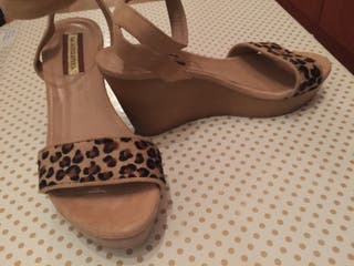 Sandalias color camel y leopardo talla 40