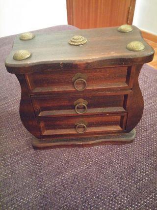 Mueble con cajones de segunda mano por 15 en elx elche for Muebles segunda mano elche